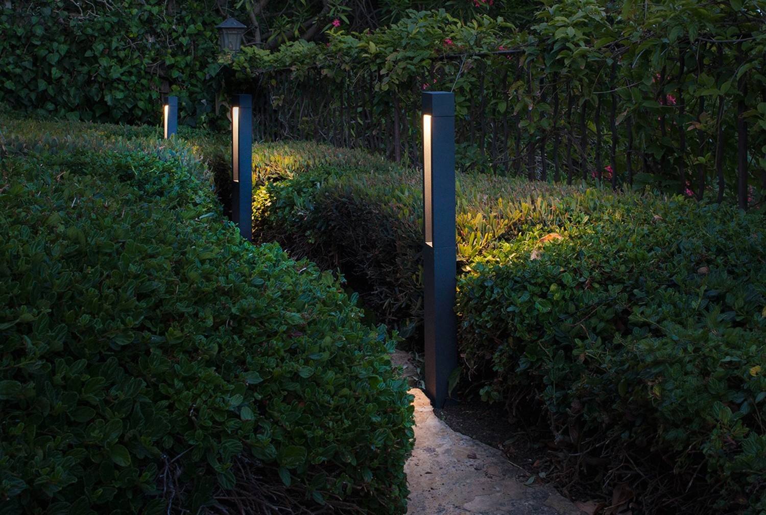 10 Lights to Amp Up Night Time Curb Appeal